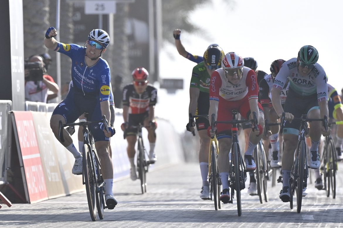 Sam Bennett wins Stage 6, the Dubai Stage, of the UAE Tour