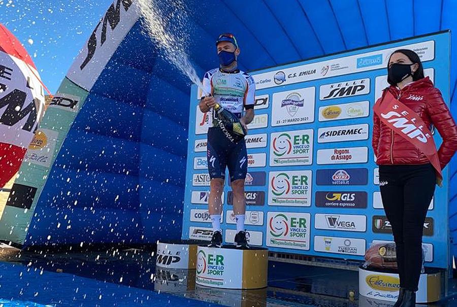 Cavendish leads Coppi e Bartali