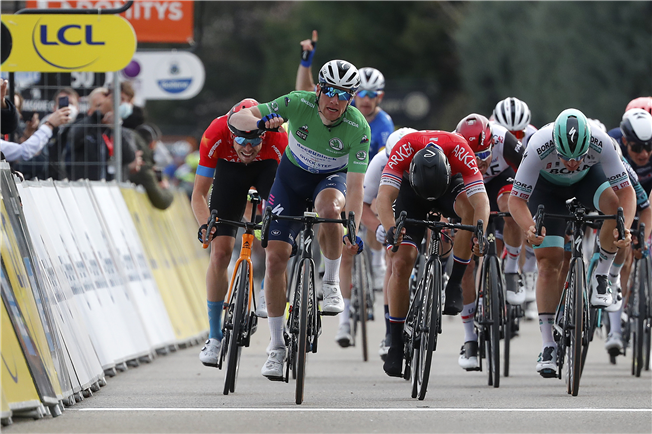 Bennett makes it two at Paris-Nice