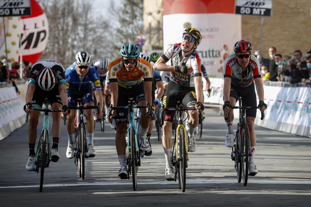 Vingegaard wins fourth stage and consolidates leading position in Coppi e Bartali