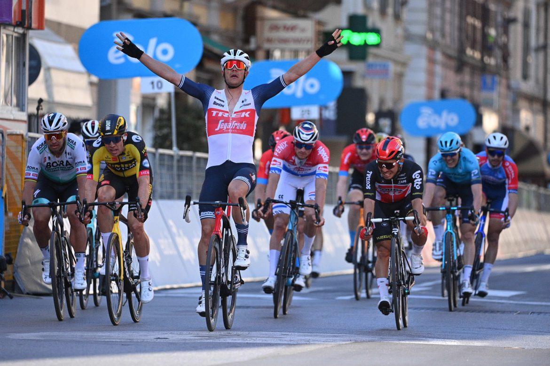 Jasper Stuyven wins the 112th Milano-Sanremo