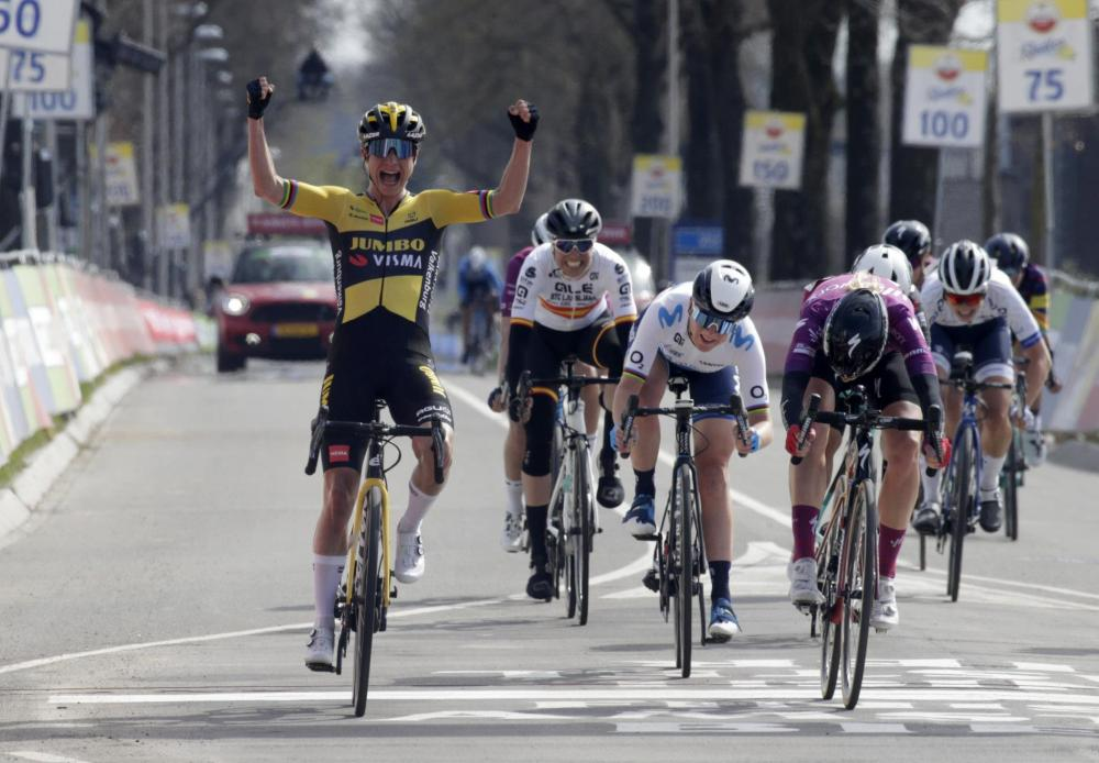 Vos rushes to majestic victory in Amstel Gold Race