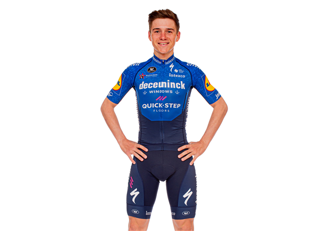 Remco Evenepoel signs for five extra years with Deceuninck – Quick-Step