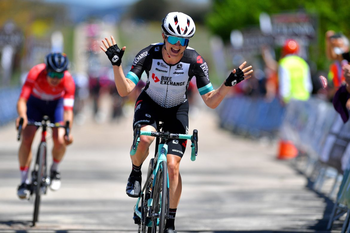 Brown braves it with a late attack to take the stage one victory at Vuelta a Burgos Feminas