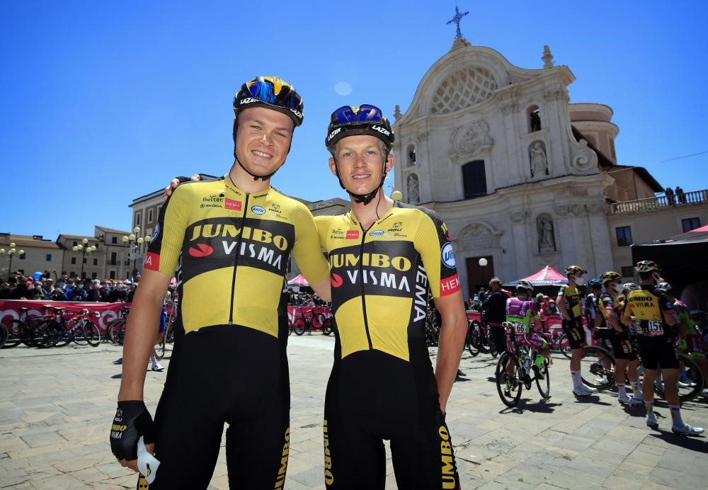 Team Jumbo-Visma keeps Foss and Bouwman on board