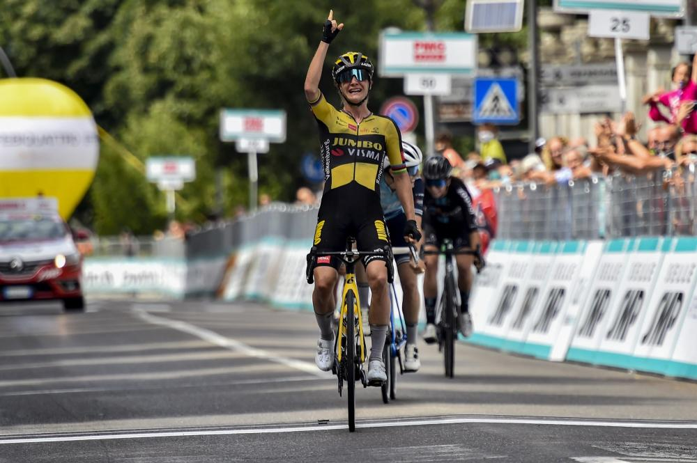 Vos prevails in final sprint of third stage Giro Donne