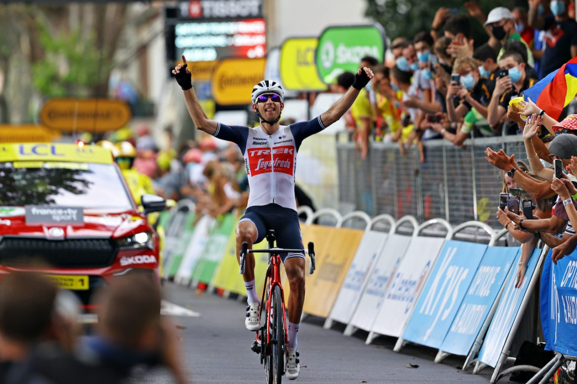Bauke Mollema solos to victory in the Tour de France