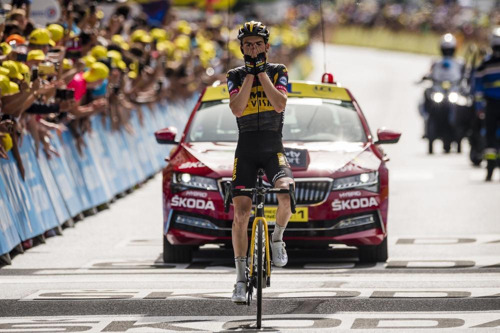 Van Aert wins on Champs-Élysées, Vingegaard comes second in Tour