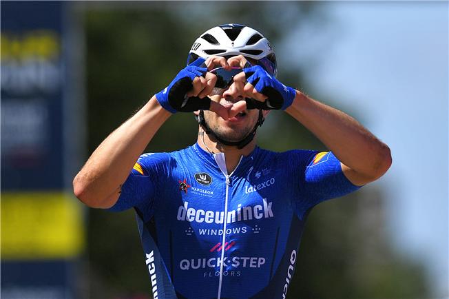 Alvaro Hodeg blasts to victory at the Tour de l'Ain