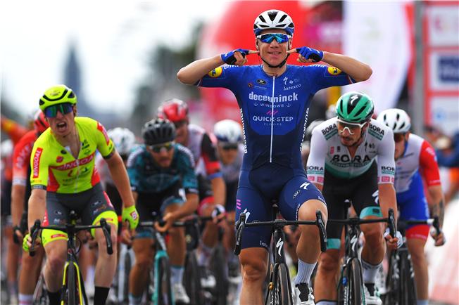 Jakobsen makes it two stage wins in Wallonie