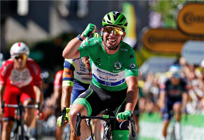Mark Cavendish equals Eddy Merckx's record of Tour de France stage victories