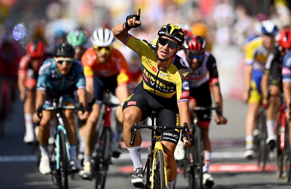 Groenewegen sprints to second stage victory in Wallonia