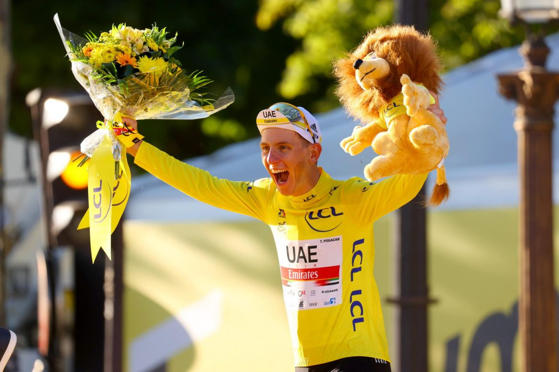 Tadej Pogačar lands in Trento: the European Champs turn yellow