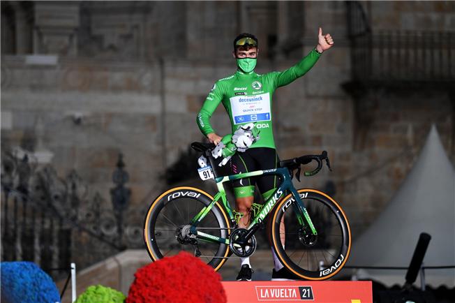 Fabio Jakobsen wins Vuelta a España green jersey