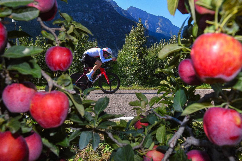 Küng beats Ganna as Switzerland sweeps Elite TT titles in Trentino