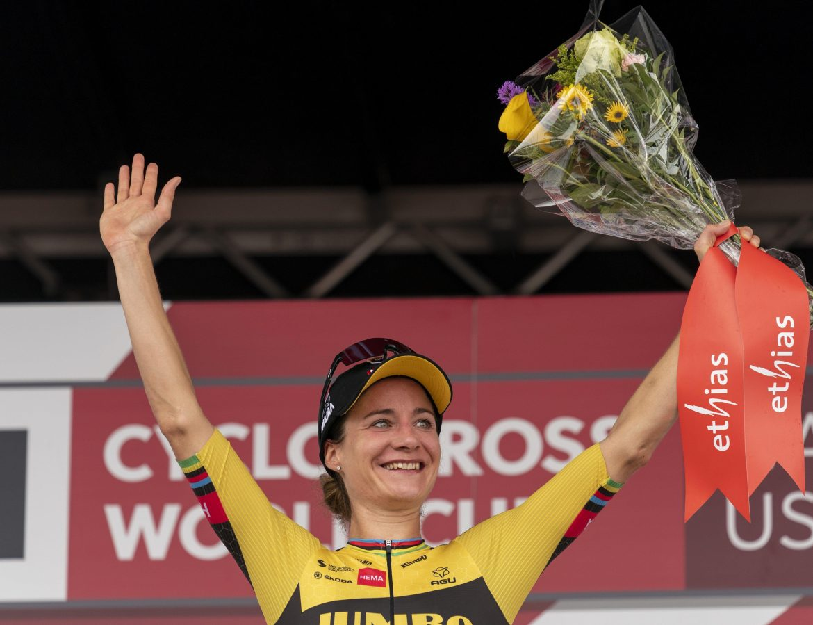 Strong Vos takes second World Cup win in Iowa City