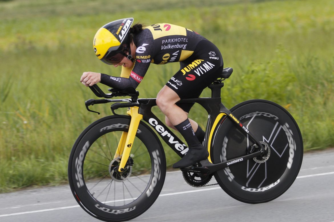 Henderson crowned British time trial champion